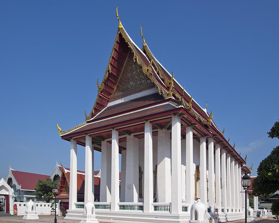 Bangkok Photograph - Wat Thewarat Kunchorn Ubosot Dthb1297 by Gerry Gantt