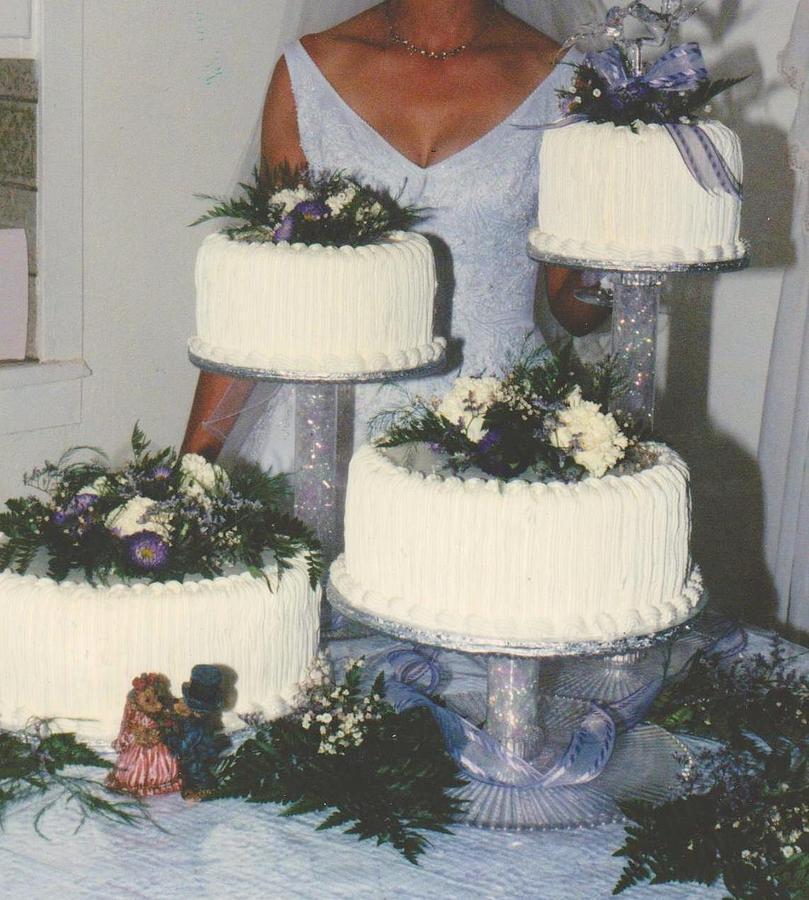 Wedding Cake candid by Mia Alexander
