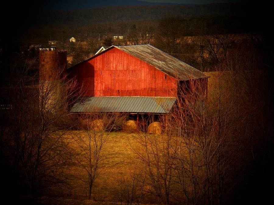 West Virginia Photograph - West Va Barn by Joyce Kimble Smith