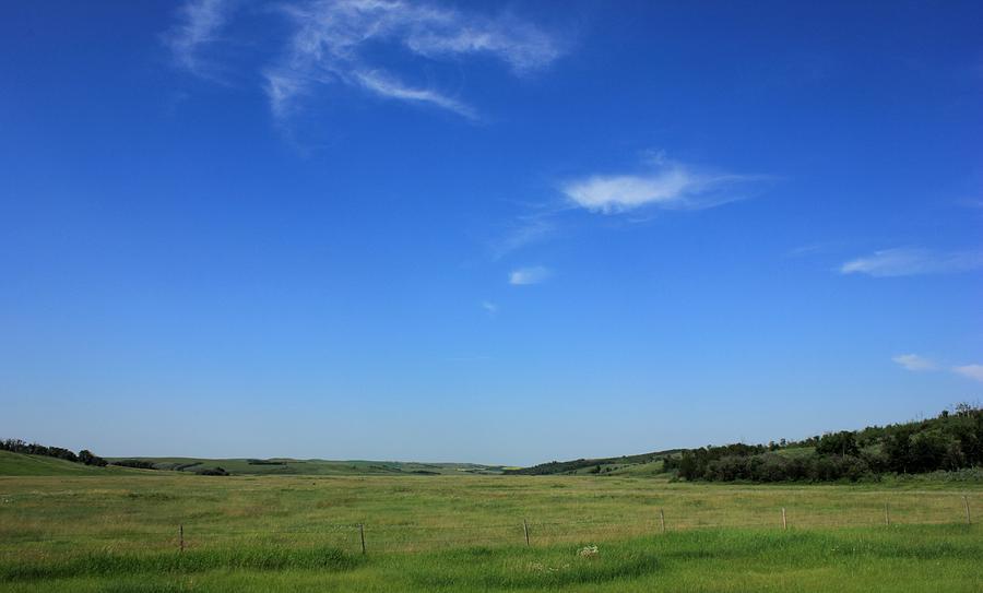 Prairies Photograph - Wide Open Alberta Prairies by Jim Sauchyn
