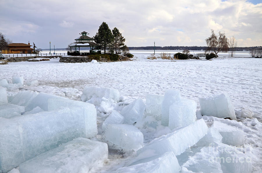 Barrie Photograph - Winter In Lake Simcoe by Charline Xia