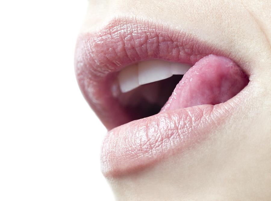 Women lickin women