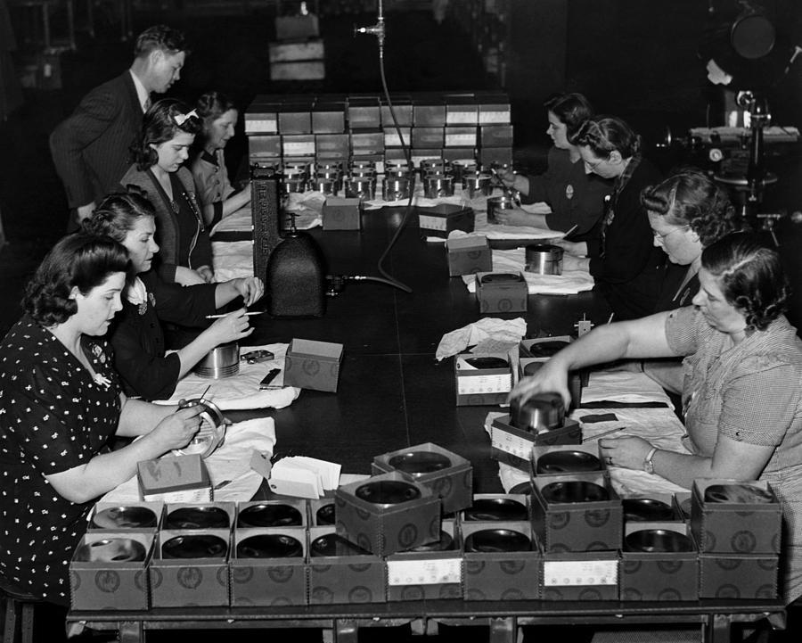 1940s Photograph - Women Take Part In World War II by Everett