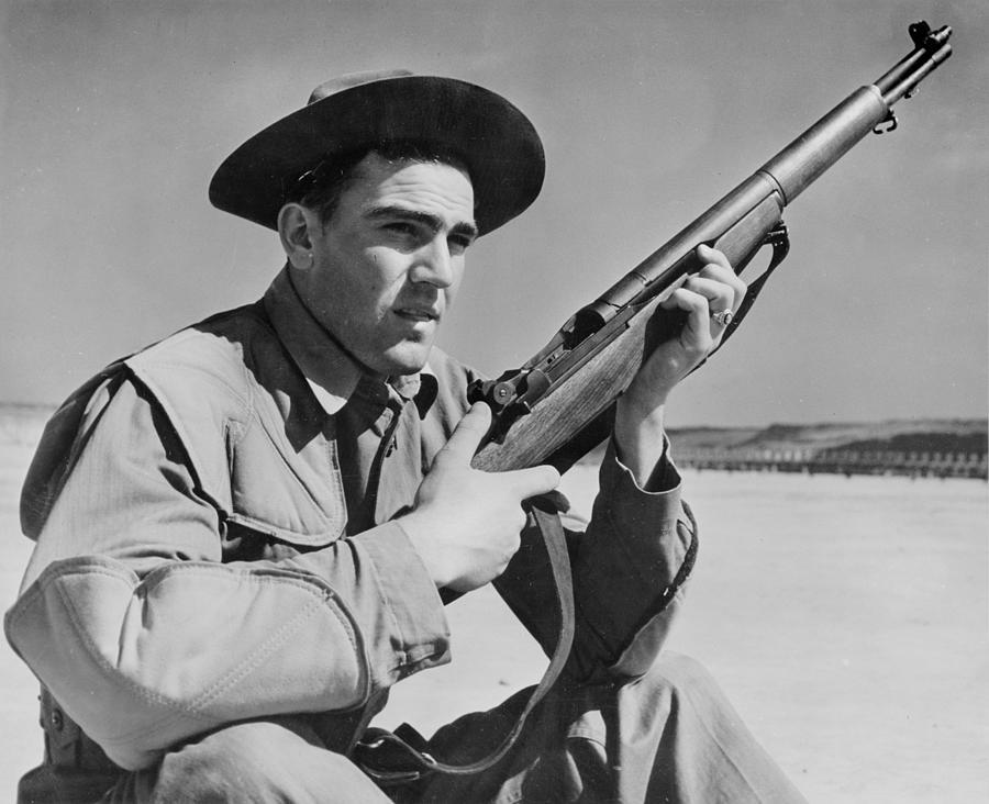 1940s Photograph - World War II, U.s. Soldier Ready by Everett