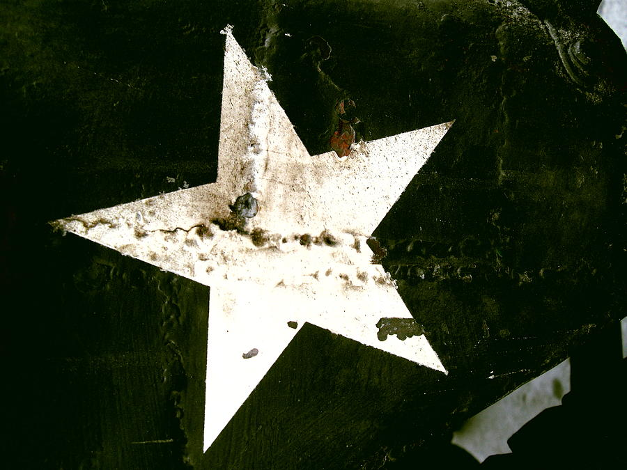 Star Painting - WW3 by Robert Cunningham