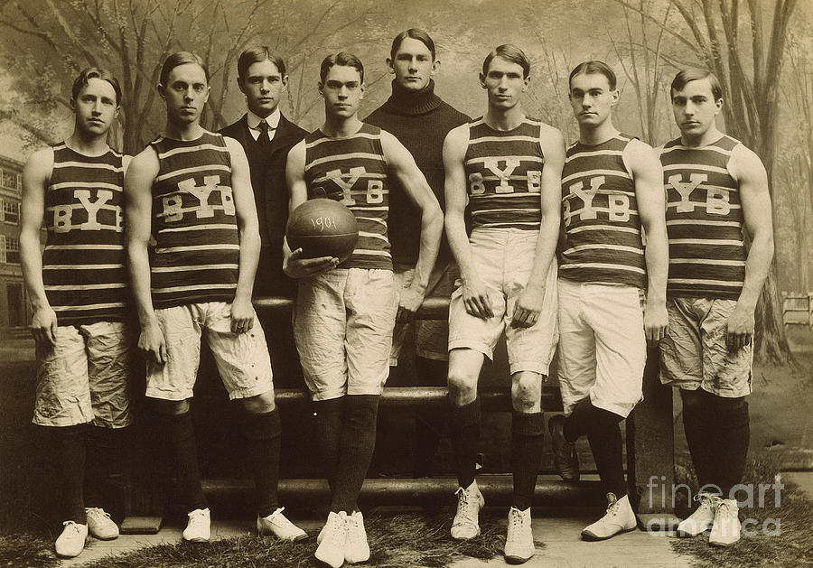 1901 Photograph - Yale Basketball Team, 1901 by Granger