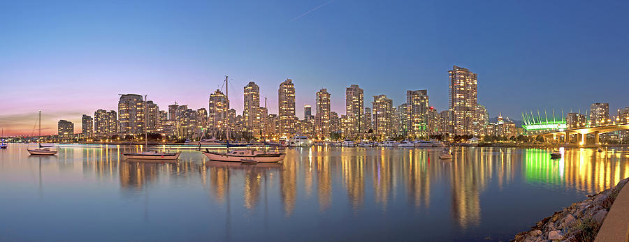 Landscape Photograph - Yaletown Panorama by Mirco Millaire