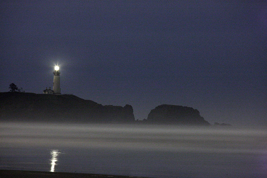 Yaquina Lighthouse At Night Photograph By Larry Robinson
