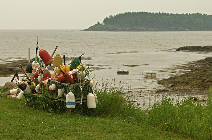 Mid Coast Maine Photograph - Yard Art by Paul Mangold
