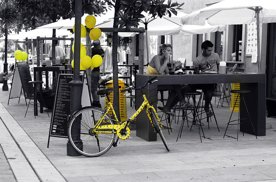 Streetphotography Digital Art - Yellow by Graham Hawcroft pixsellpix