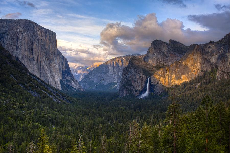 Yosemite National Park Photograph - Yosemite Sunset by Jim Neumann
