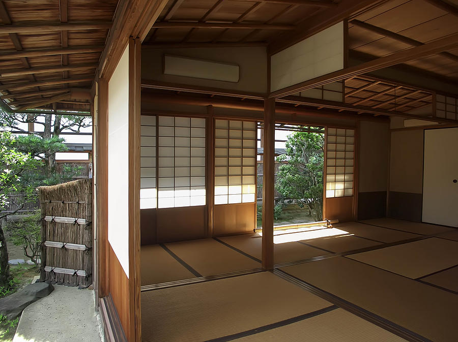 Zen meditation room open to garden kyoto japan for Japanese garden room