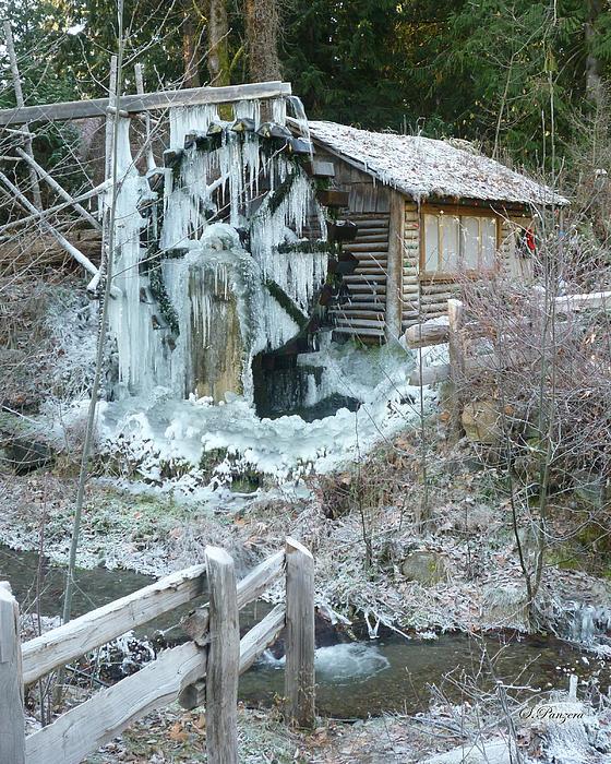 Samantha Panzera - Frozen Dalby Waterwheel
