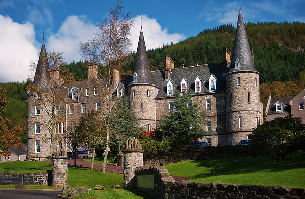 Jenny Rainbow - Hotel Tigh Mor Trossachs. Perthshire. Scotland