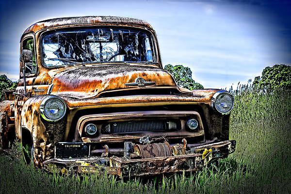William Havle - International Truck Alone and Rusting