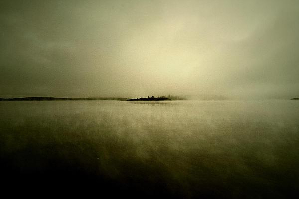 Empty Wall - Island Of Mystic