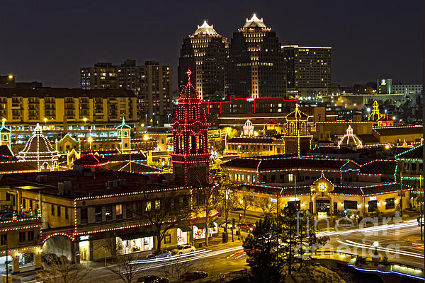 Kansas City Plaza At Christmas Greeting Card for Sale by Carolyn Fox