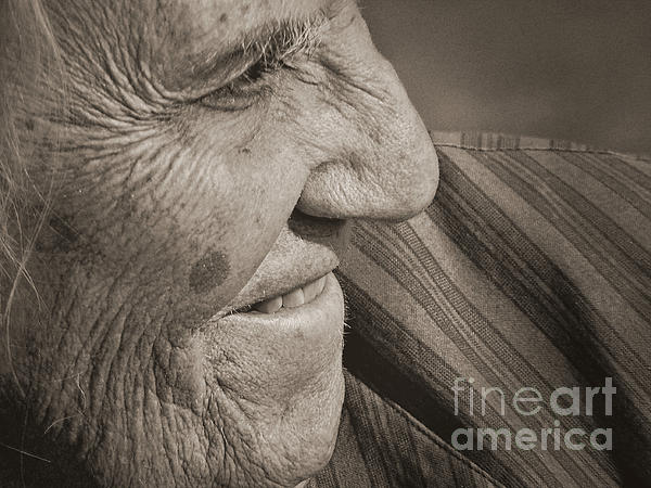 Lin Haring - Senior Smile