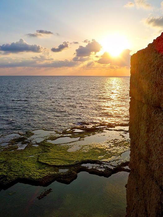 Katy Adebayo - Walled City and the Sea