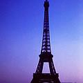La Tour D'eiffel by Robert  Rodvik