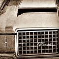 1972 Oldsmobile Grille Emblem by Jill Reger