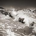 Bolonia Waves by Guido Montanes Castillo