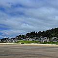 Cannon Beach North by Dale Kauzlaric