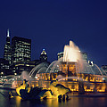 Evening At Buckingham Fountain - Chicago by Mountain Dreams