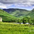 Kilchurn Castle by Traci Law