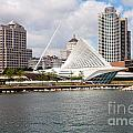 Milwaukee Art Museum by Bill Cobb