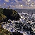 Northhead Ilwaco Lighthouse by Jim Corwin