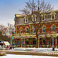 Prince Of Wales Hotel In Niagara On The Lake by Les Palenik