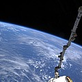 Spacex Dragon Capsule At The Iss by Science Photo Library