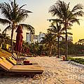 Sunset Holiday by Niphon Chanthana