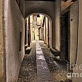 Tight Alley by Mats Silvan