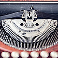 Vintage Typewriter by Leslie Banks