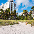 Miami Beach by Raul Rodriguez