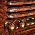 1948 Mantola Radio by Scott Norris