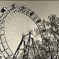 Old Ferris Wheel by Giovanni Chianese