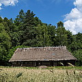 Traditional Polish Cottage House by Karol Kozlowski