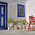 Greek House by Luis Alvarenga