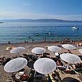 Mikro Kamini Beach by George Atsametakis