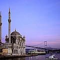Ortakoy Mosque by Shaun Higson