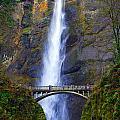 Multnomah Falls. by Oscar Williams