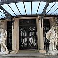 5th Avenue Entrance by James Dolan
