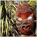 Maori Carving by Les Cunliffe
