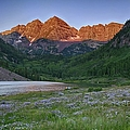 A Maroon Morning - Maroon Bells by Photography  By Sai