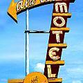 Ala Cozy Motel by Larry Hunter