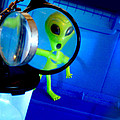 Alien Discovers A True Passion For Legitimate Musical Theatre And Belting Showtunes by Del Gaizo