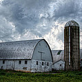 Amish Barn by Linda Unger